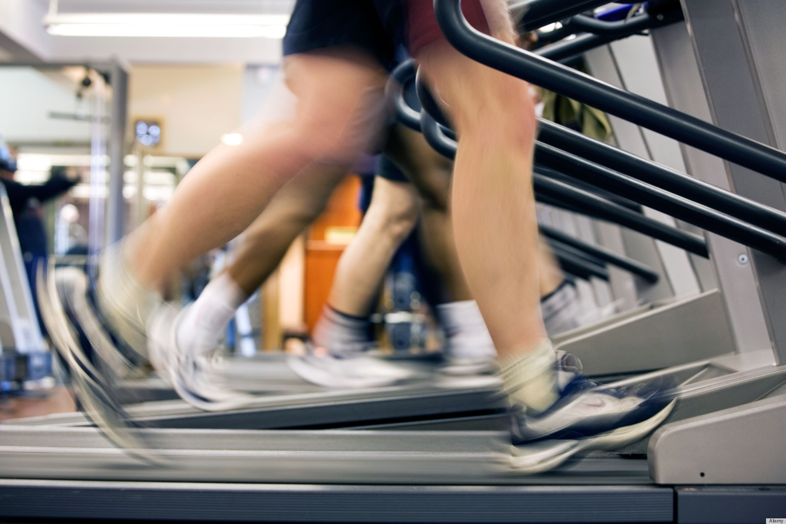 treadmill running vs outdoor running Do you prefer running on the treadmill or outdoors  many trial studies to show people burnt more calories on a treadmill versus running outside in the same period .