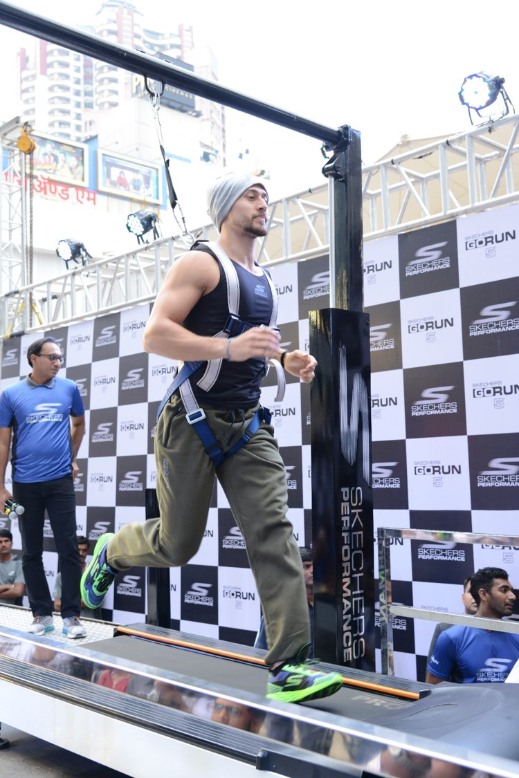Tiger Shroff runs lightning fast in newly launched Skechers GoRun 5 ...